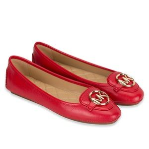 Michael Kors Lillie mov flat in red (Brand NEW)